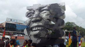 Une statue à l'effigie de Mandela apparaît à Conakry !